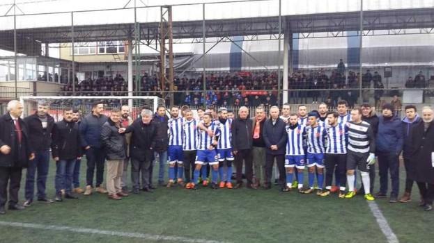 Belediye Başkanımız Bayram ÖZTÜRK TASDEF/ Abdullah TÜRKÖZ Futbol TurnuvasI Final macında Hemşehrilerini yalnız bırakmadı