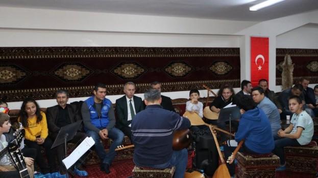 Belediye Başkanımız Bayram ÖZTÜRK, Gençlik Merkezimizde Düzenlenen Müzik Şölenine Katıldı.